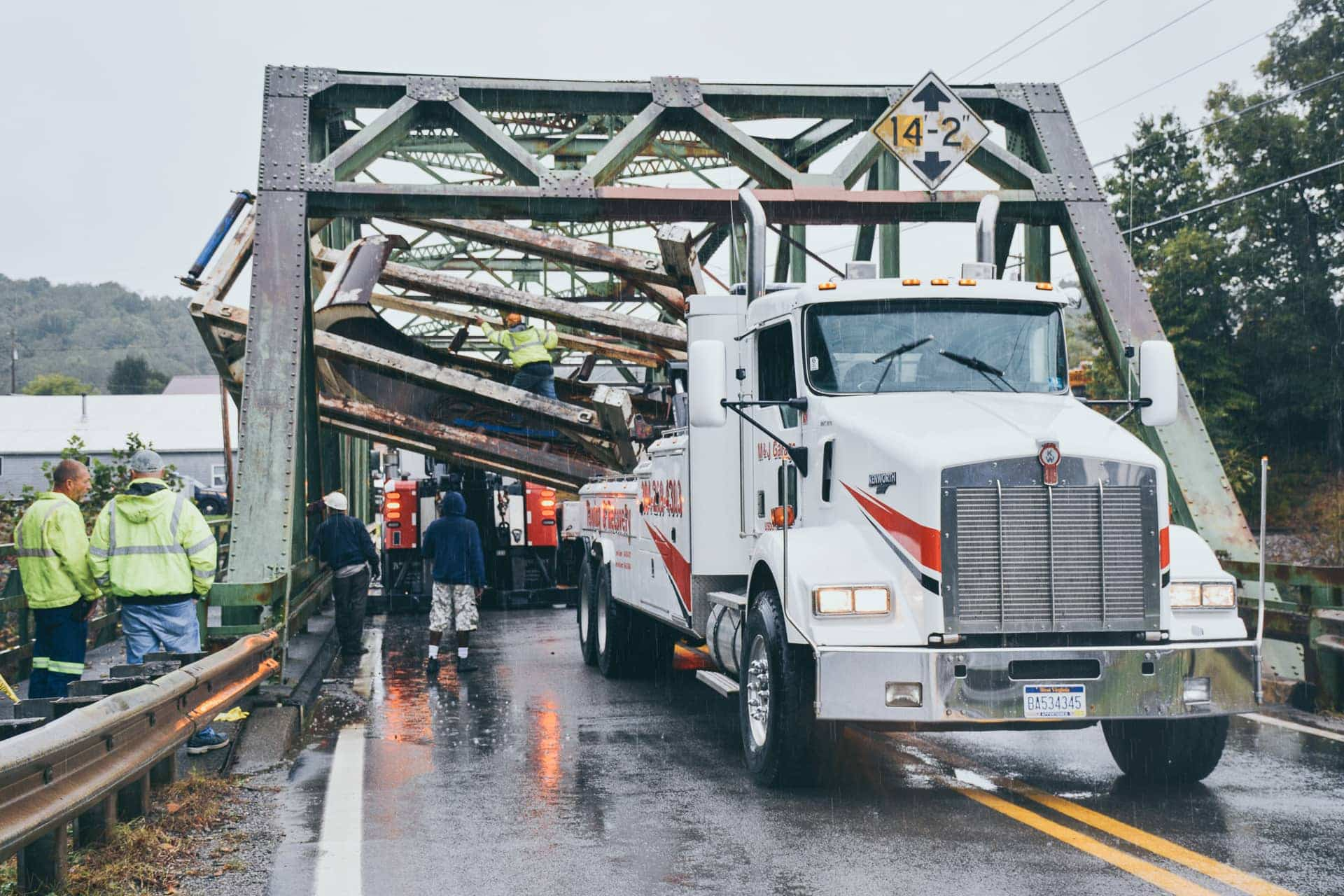 Truck stuck in bridge